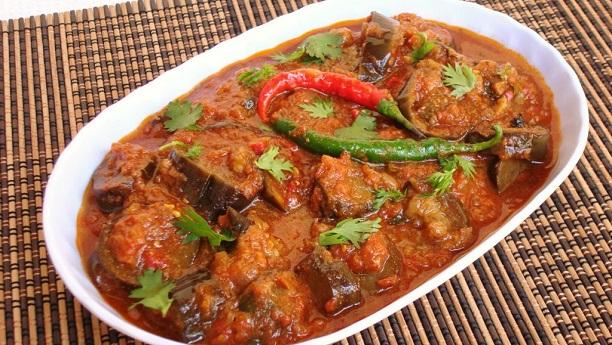 Hyderabadi Baghare or Bagara Baingan Recipe [Step by Step بگھارے بینگن]