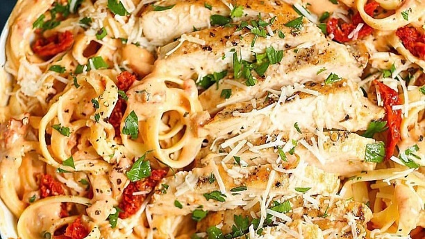 Chicken Fettuccine Alfredo with Sun-Dried Tomatoes