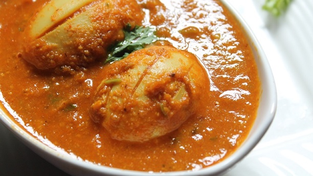 Coconut Egg Curry (Nariel anda Curry)