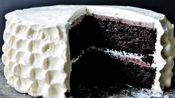 Dark Chocolate Creamy Cake