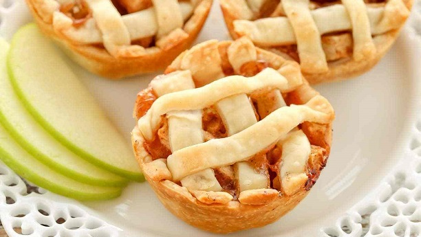 Mini Apple Strawberry Pie