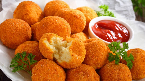 patatoes ketchup balls