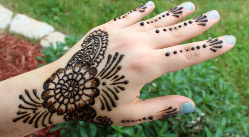 Womens Most Wanted Mehandi Designs 2015