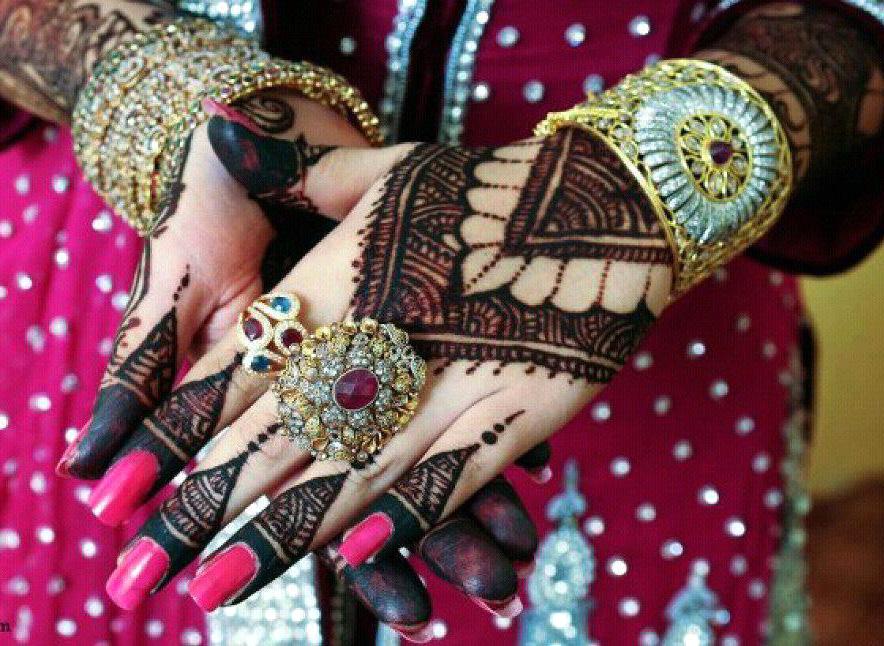 stylish bridal mehandi