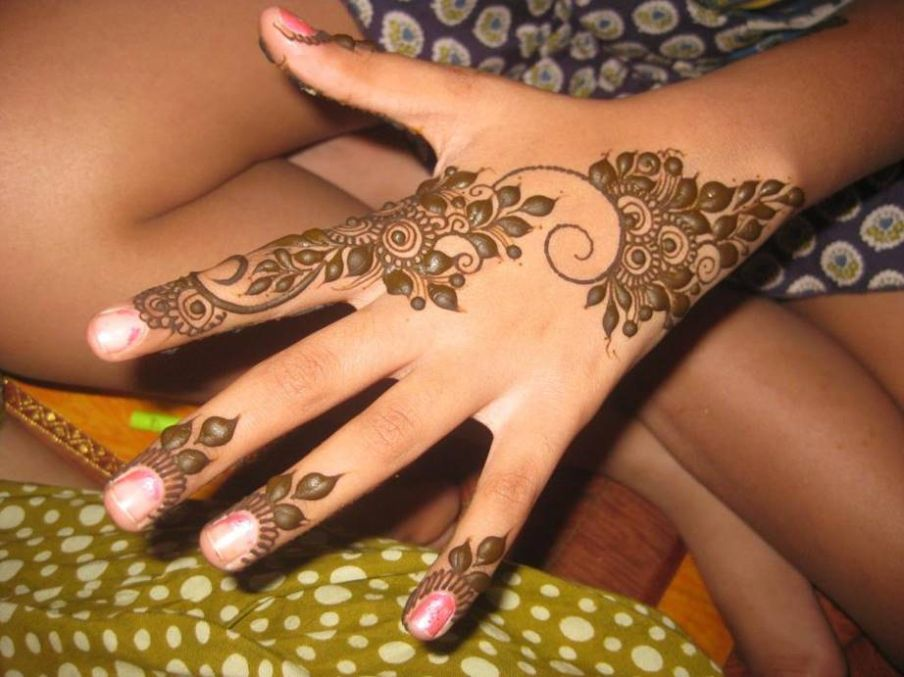 Hand Mehndi Designs for Summer 2018