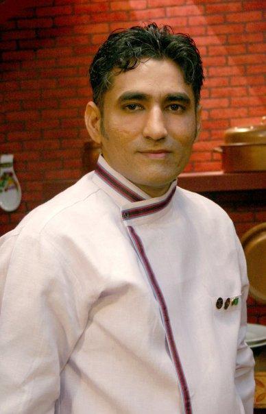 Chef Tahir In Chef S Dress Chef Image Kfoods Com