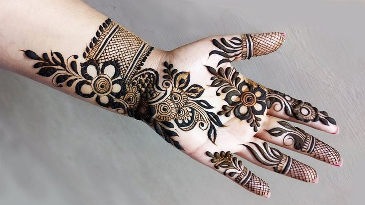 New Front Hand Indian Mehndi Design