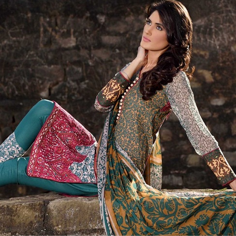 Ayesha Khan Dress Designer