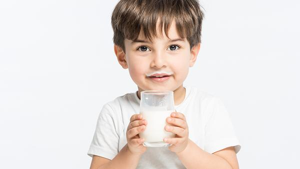 Dates Milk Shake for Strong Bones